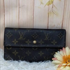 Authentic Louis Vuitton International Long Wallet